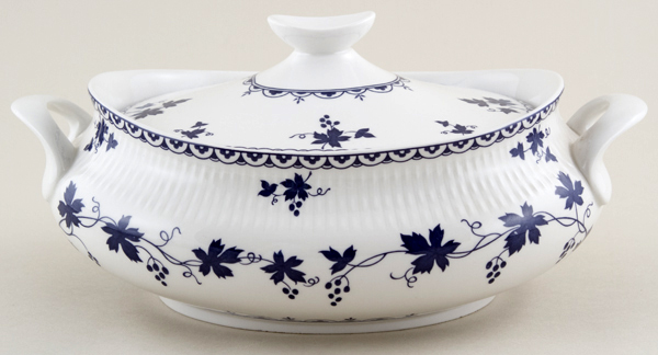 Royal Doulton Yorktown Vegetable Dish with Cover