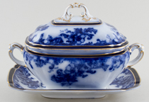 Sauce Tureen and stand c1906