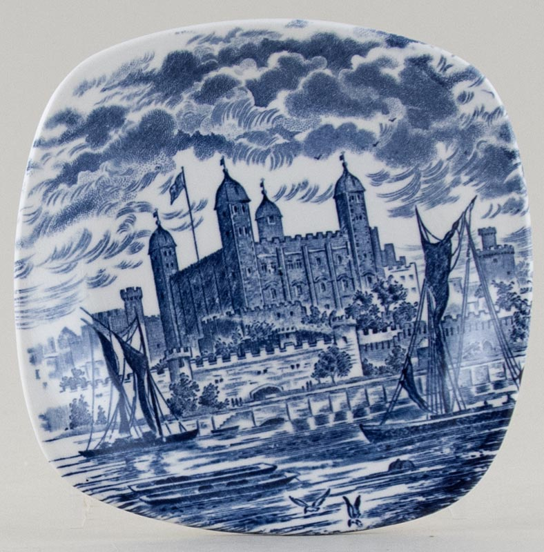 Wedgwood and Co Royal Homes of Britain Plate small Tower of London c1960s