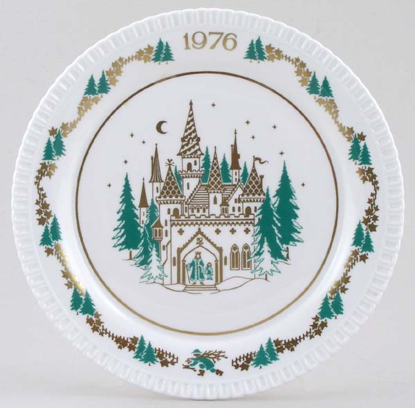 Spode Christmas Series colour Christmas Plate c1976