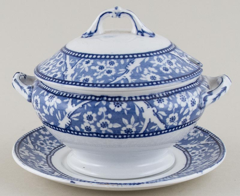 Wedgwood and Co Hawthorn Sauce Tureen c1910