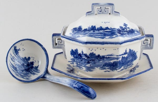 Royal Doulton Norfolk Sauce Tureen c1938