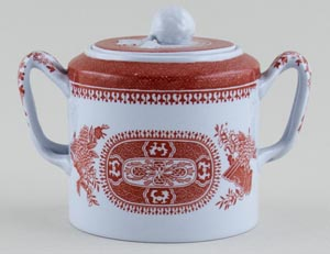 Spode Fitzhugh red Sugar with Cover c1966