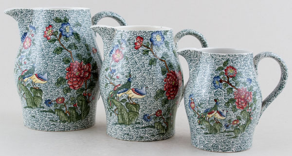 Spode Peacock and Parsley colour Jugs or Pitchers Set of Three c1935.